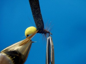 11. Обмотайте перо вокруг передней части